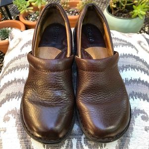 Womens Dark Brown Clog Shoes Size 7/38